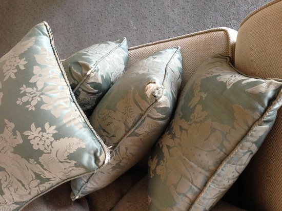 Royal York & Faulkner Hotel: the rat-chewed scatter cushions