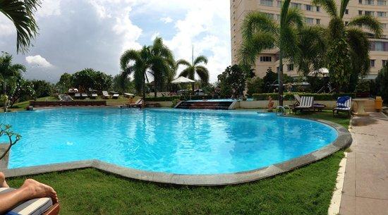 Park Diamond Hotel: бассейн