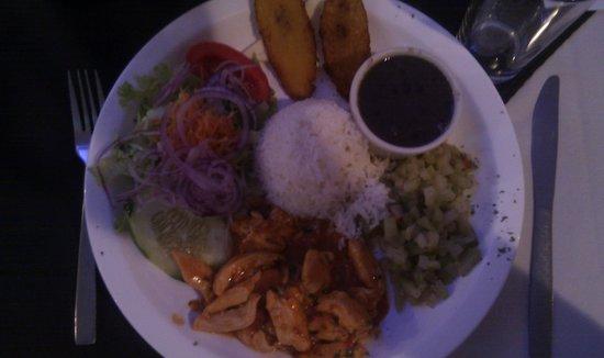 Restaurante Tico y Rico Monteverde: Den traditionelle Casado