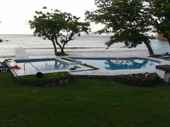The Resort at Wilks Bay: pool