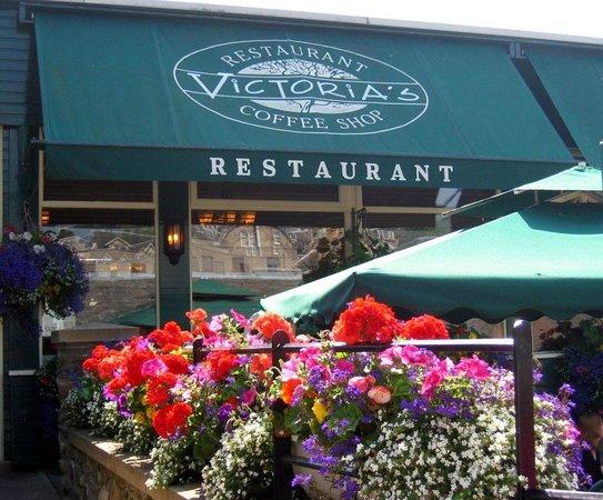 Victoria's Restaurant & Coffee Shop: Indoor & outdoor dining