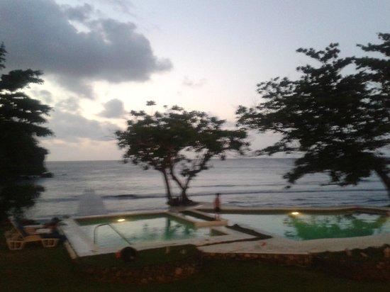 The Resort at Wilks Bay: pool