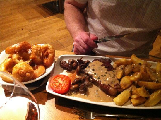 Steak with the side order of onions rings - Desperate Dan sized!!