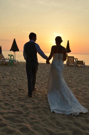 Naithon Beach House : Just married..... A romantic walk on the beach before dinner