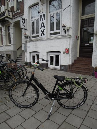 Hotel Max: Bikes to rent