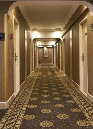 Grand Anka Hotel: Floor Corridor