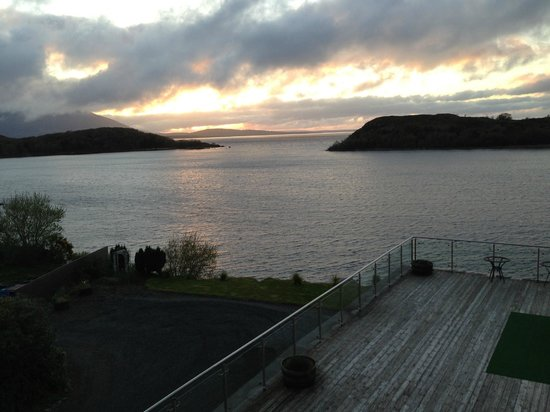 Pontoon Bridge Hotel: View of Loch Conn from hotel room