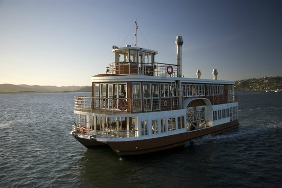 Knysna Paddle Cruiser Day Cruises : The Paddle Cruiser - Knysna