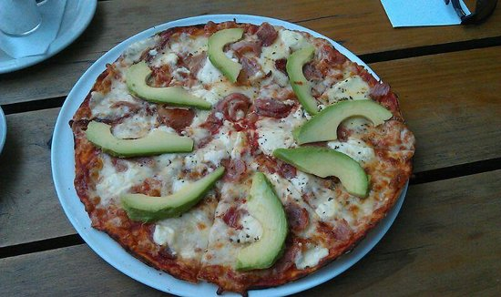 Woodpecker Pizzadeli: Bacon, Avocado and Feta