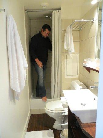 Hotel de Sevres: the bathroom was incredibly small
