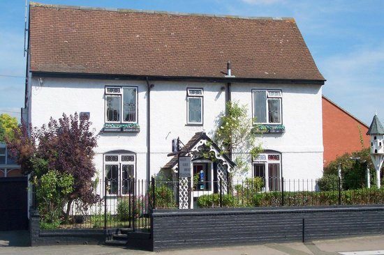 Notley House & The Coach House
