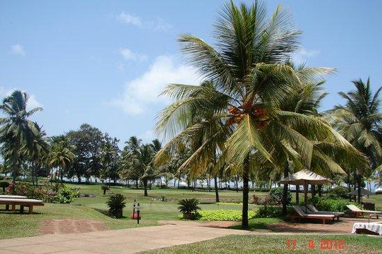 The Leela Goa: beach