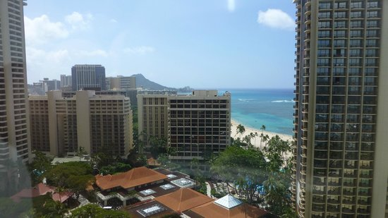 Hilton Grand Vacations at Hilton Hawaiian Village: View from our room