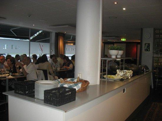 Comfort Hotel Jonkoping : DINING ROOM FOR DINNER