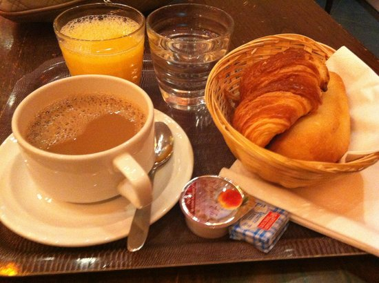 Caulaincourt Square Hostel: Breakfast