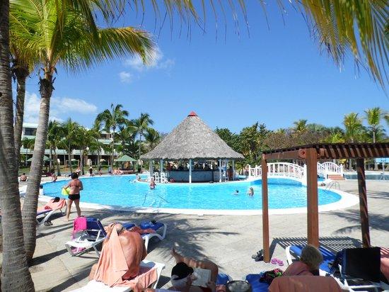 Autour de la piscine picture of sol palmeras varadero - Autour de la piscine ...