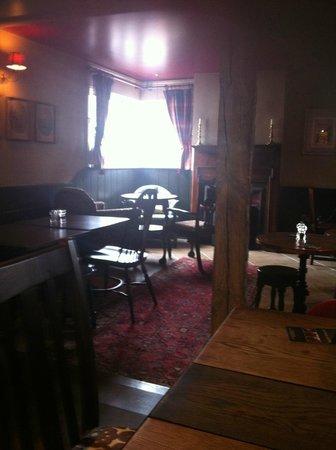 Crown and Horns Inn: lounge