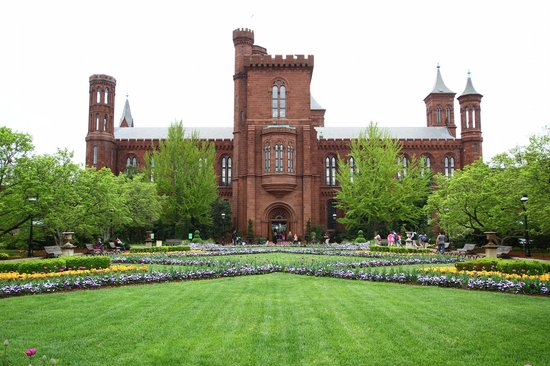 Smithsonian Institution Buidling: Красивый сад