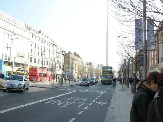 Cassidys Hotel: La misma calle