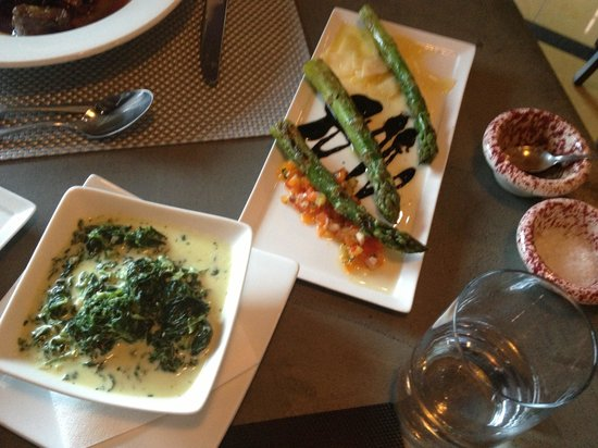 Duo Restaurant & Bar: Asparagus 3-Ways