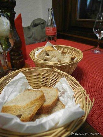 Restaurant Stadel: Bread for cheese fondue