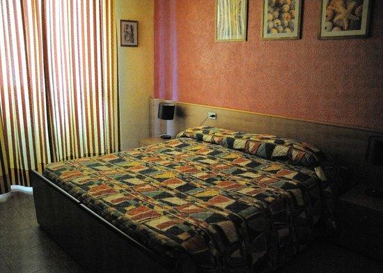 Bagno In Comune Hotel : Camera con bagno in comune foto di hotel edy milano tripadvisor