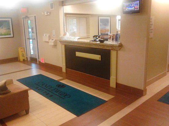 Candlewood Suites Fairfax: Our Lobby