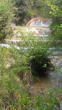 Chambre d'hôtes Le Moulinage : Espace baignade riviere privée