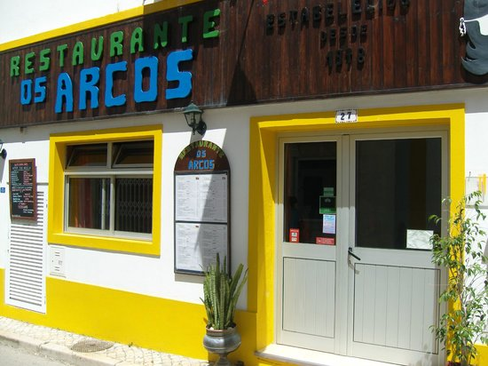 Os Arcos Restaurante : On the road to the old town, a great little restaurant, open on Sundays