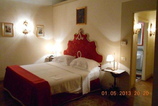 بالاتسو نيكوليني أل دومو: room