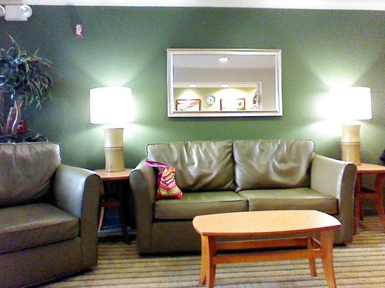 Extended Stay America - Fort Lauderdale - Cypress Creek - NW 6th Way: Lobby