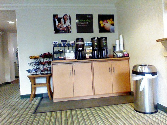 Extended Stay America - Fort Lauderdale - Cypress Creek - NW 6th Way: Breakfast Setup
