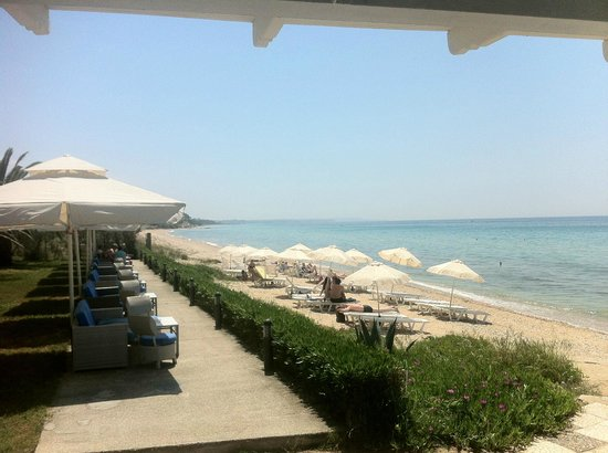 Kassandra Mare: The beach view from the bar