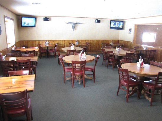 Hassies Saloon and Eatery: Hassies Restaurant Brainerd MN