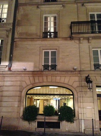 Hotel Royal Saint-Honore: view of room from side street (2nd floor)