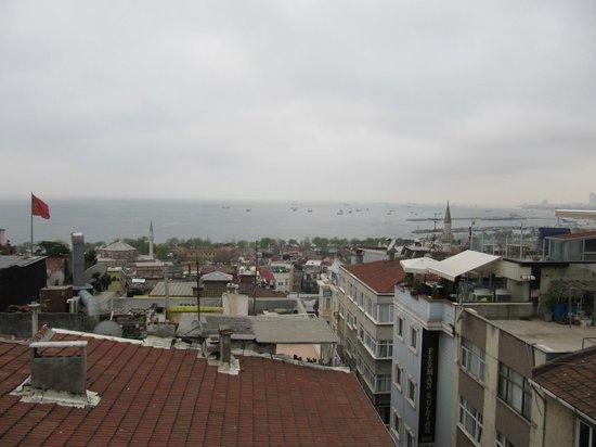 Hotel Fehmi Bey: Uitzicht richting zee.