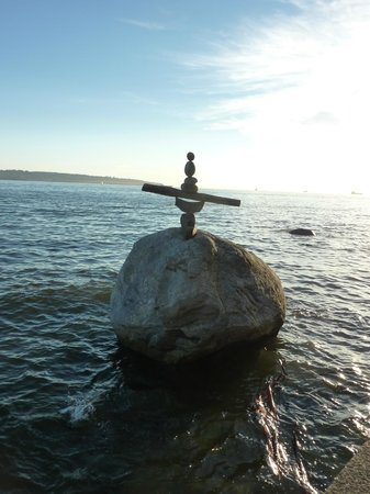 Sandman Suites Vancouver - Davie Street: How do they do it? - Local Inuit stone balancing