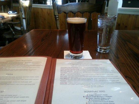Whiskey Creek Restaurant : Menu and Beverage