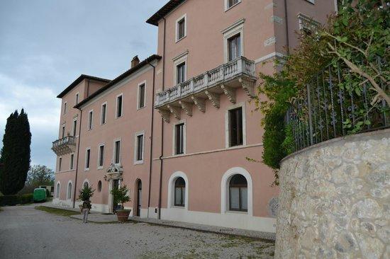 Villa Spirito Santo: Retro dell'albergo, la nostra camera dava su questo cortile