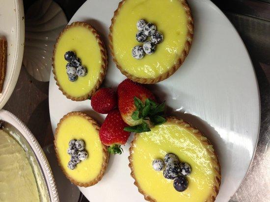 The Sage Cafe: Lemon & blueberry tarts