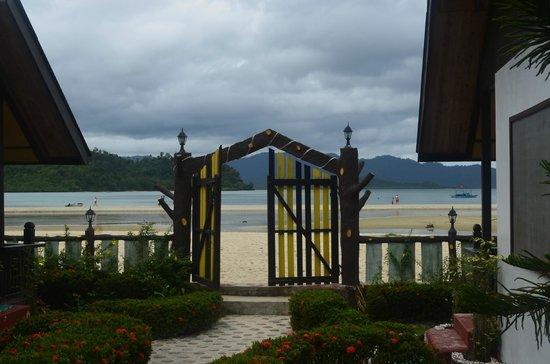 Gate To The Beach Picture Of El Dorado Sunset Resort Port