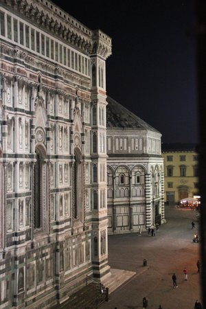 Hotel Duomo Firenze: View from Room - Night
