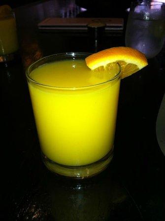 44 1/2 : jus d'orange (pas pressé mais très bon)