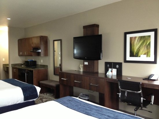 Best Western Plus Williston Hotel & Suites : Room