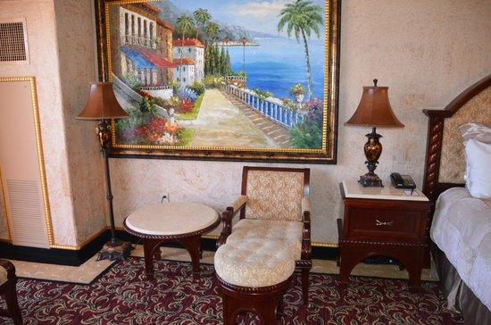 Peppermill Resort Spa Casino: Room