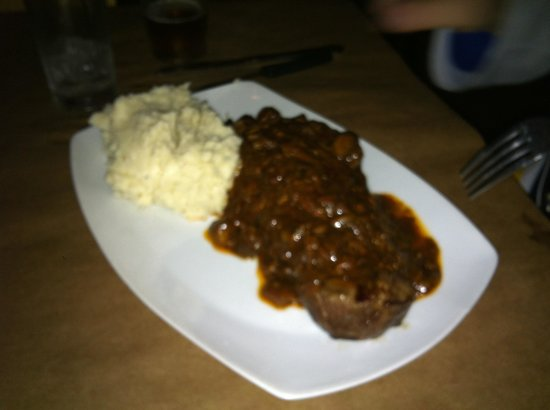 Mathew's Kitchen: Turf and Turf- NY Strip with bacon and mushroom sauce