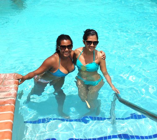 Rancho Los Toros: Perfect Day in The pool