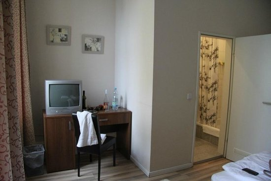 Hotel-Pension Classic: twin room