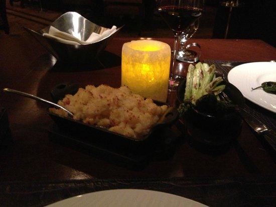 Flame Restaurant : White Cheddar Mac & Cheese/Grilled Asparagus