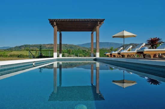 Asclepios Wellness & Healing Retreat: Principal pool